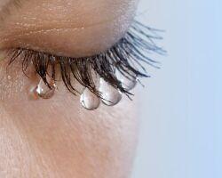 Как быстро снять отек с опухших глаз после слез