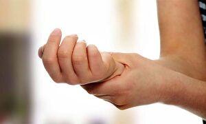 Что делать и как лечить если рука опухла