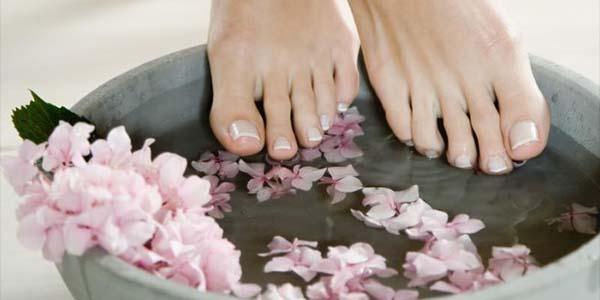Ванночка с цветами для ног