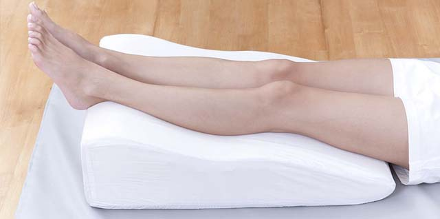 Валик под ноги для сна