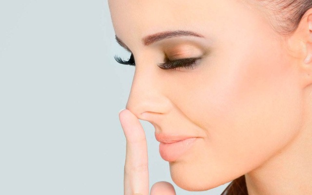 Твердый кончик носа после ринопластики